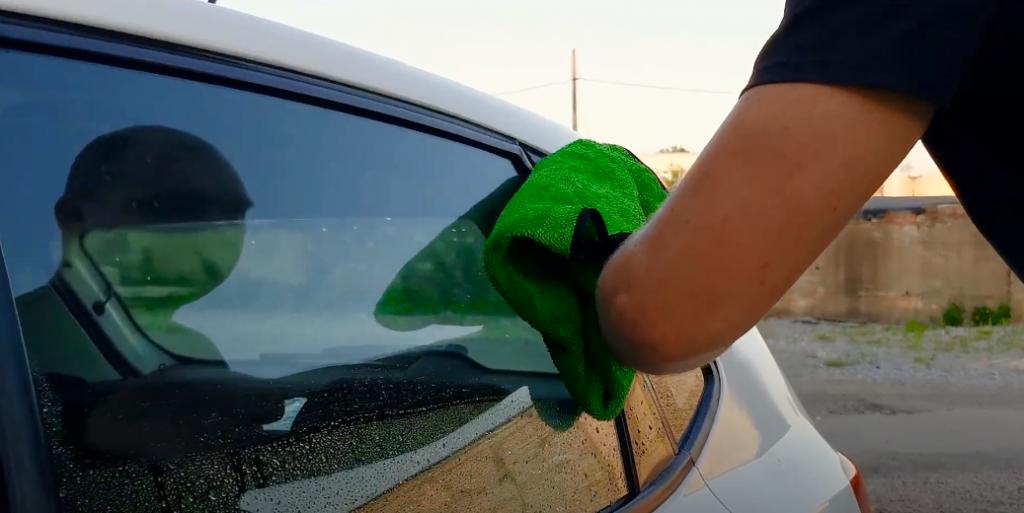 Wie wäscht man das Auto in warmen Saisons
